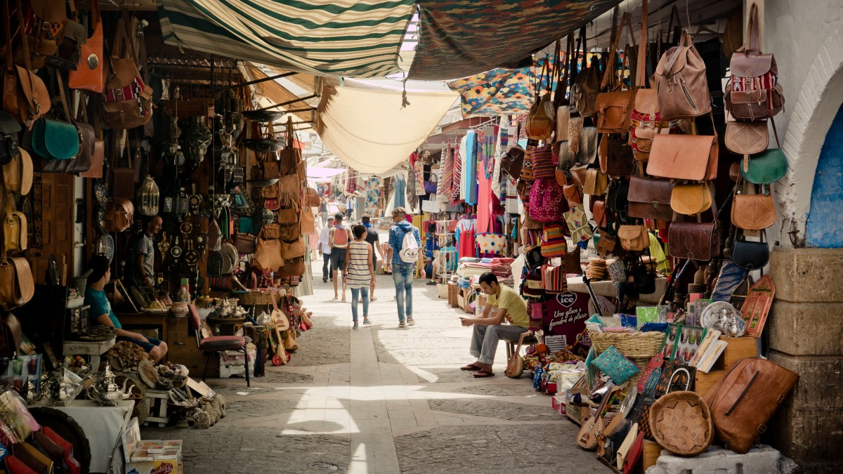 Marché artisanal au Maroc